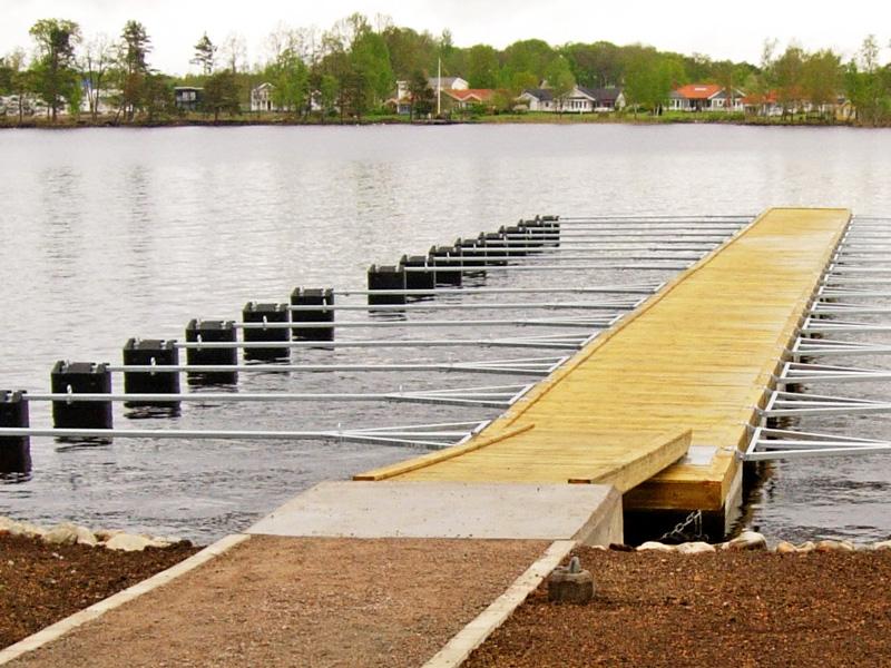 slide_pontoni-sa-drvetom-i-betonskim-plovcima